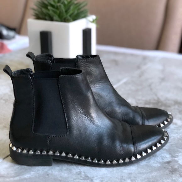 huge discount provide plenty of low price Zara • Black Leather Studded Chelsea Ankle Boots